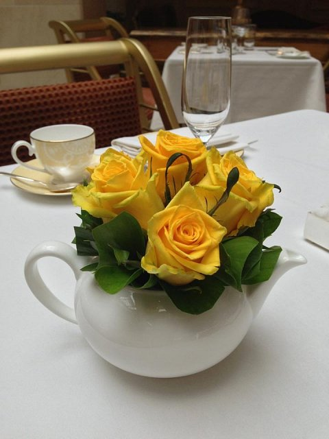 Teapot roses yellow